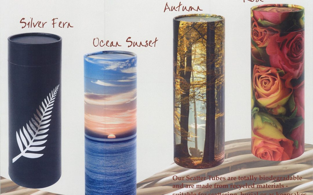 THEMED SCATTERING URNS
